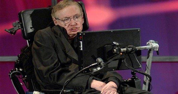 ستيفن هوكينغ .. العالم الذي قهر الإعاقة