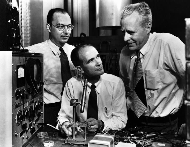 قصة اكتشافالترانزيستور من أعظم 100 اكتشاف في التاريخ