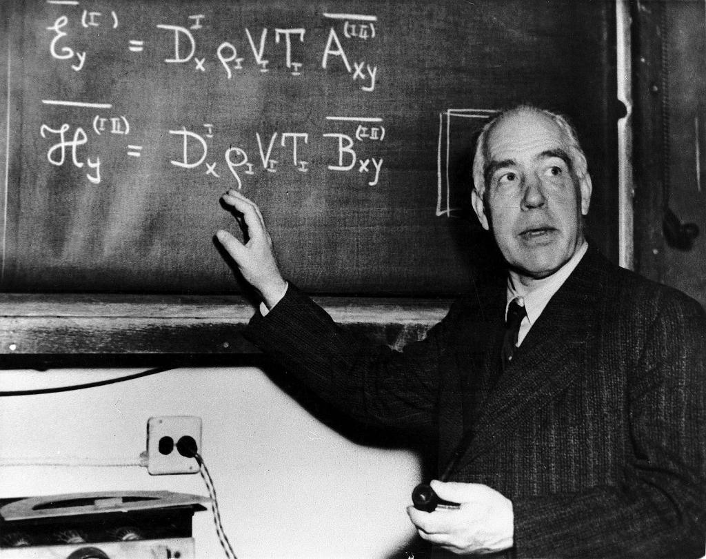 نيلز هنرك ديفيد بور 1885-1962