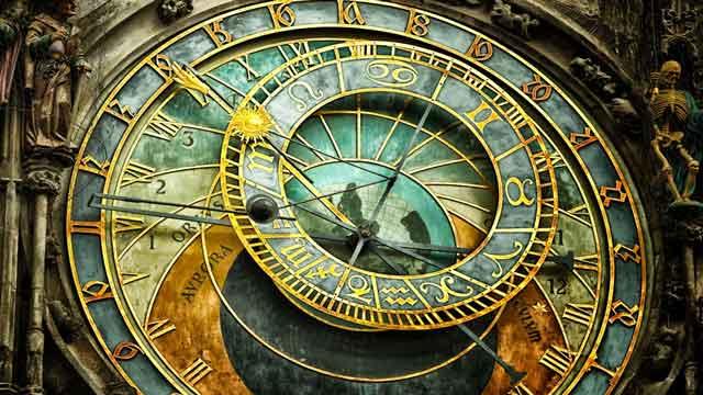 تطور الساعات عبر التاريخ