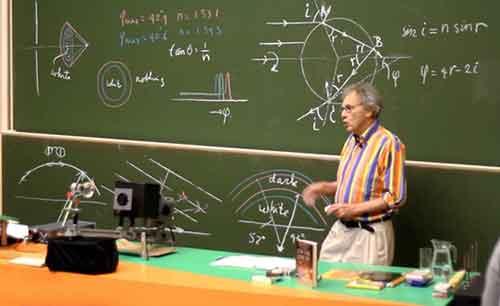 طرق ونماذج تسجيل المحاضرات التعليمية الالكترونية لنشرها على قناة اليوتيوب