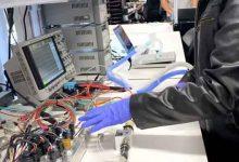 Photo of تسلا تكشف عن نموذج أولي لجهاز تنفس اصطناعي مصنوع من قطع غيار السيارات